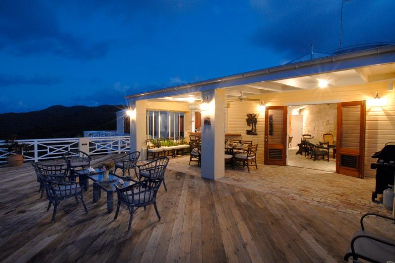 Estate Belvedere, Sleeps 14 - Image 1 - Cane Bay - rentals