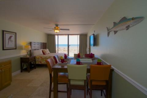 Main Room with King Bed and Eating Area - 209 Suite - Island Inn - Treasure Island - rentals
