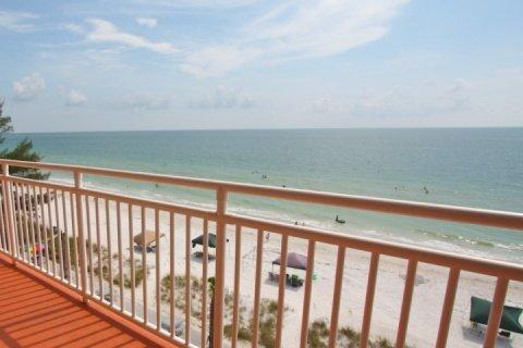 View from the 5th floor shared balcony - 512 - Sunset Chateau - Treasure Island - rentals