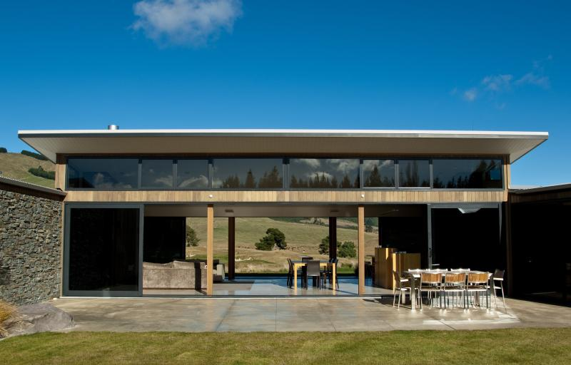 The Taupo region's only 5* Qualmark Graded Holiday Home. - Luxurious, peaceful 5* Taupo home - 4 bedrooms - Taupo - rentals