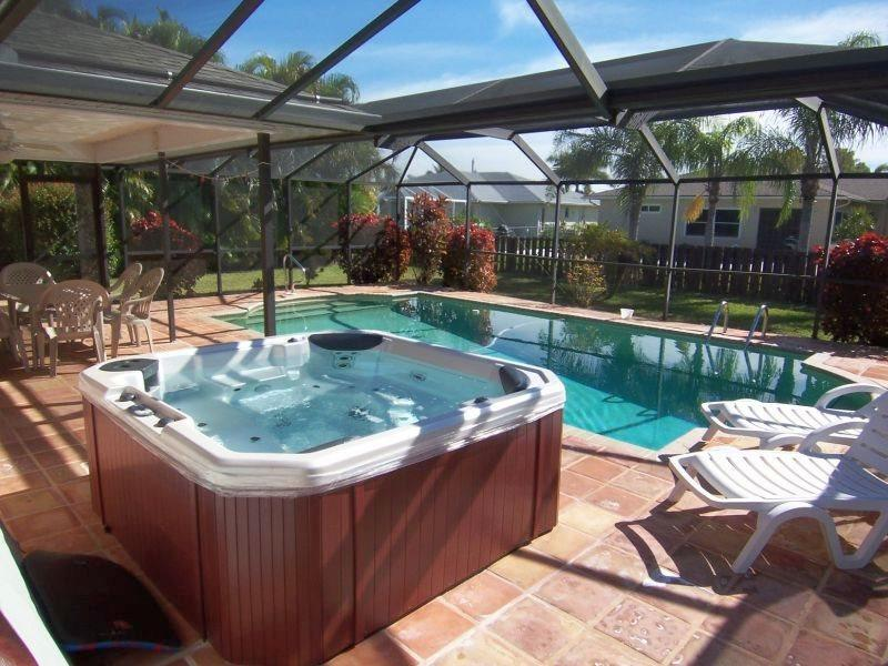 Villa Yvonne - SW Cape Coral 3b/2ba Solar Pool, Electric Heated Spa, HS Internet, Southern Exposure, - Image 1 - Cape Coral - rentals