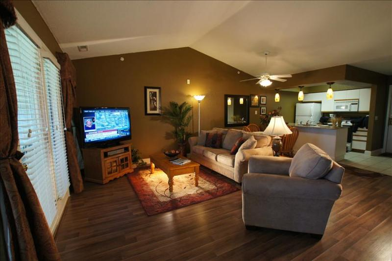Amazing Condo near the Strip,-Jetted Tub- Pool- 3 HDTV's-Sleeps 8 - A9 - Image 1 - Branson - rentals