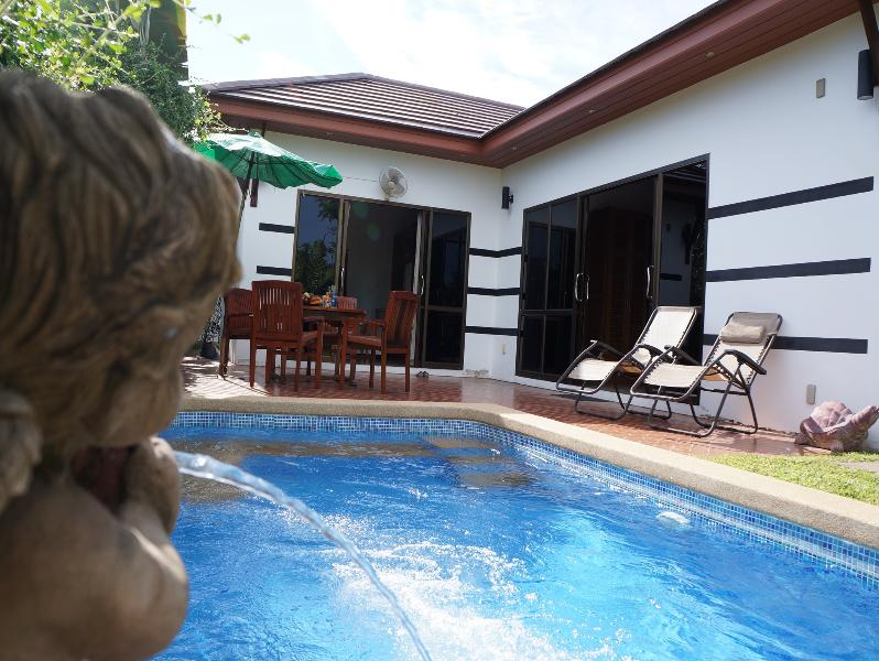 2 bedroom house with pool for rent in Rayong - Image 1 - Rayong - rentals