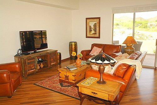 Living area looking out onto golf course - Lost Starr - Tucson - rentals