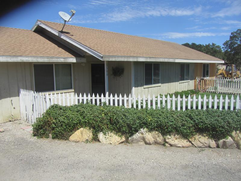 Front of Farmhouse - The Farmhouse - Vacation Rental - Paso Robles - rentals