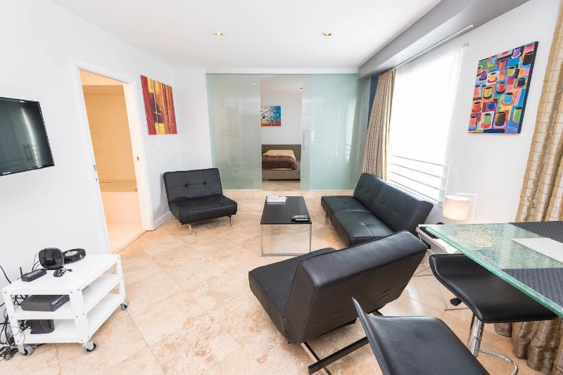 Living Room - Art Deco apartment on Ocean Drive in South Beach - Miami Beach - rentals
