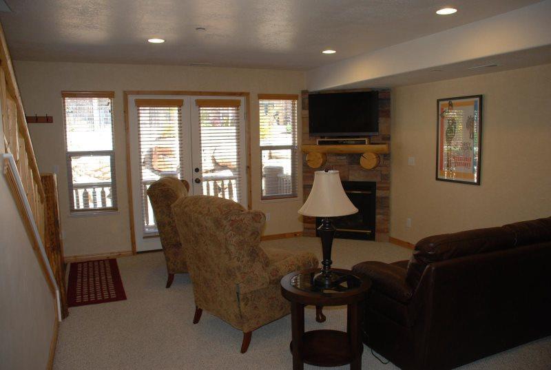 Living Room - Deluxe three bedroom condo - Eden - rentals