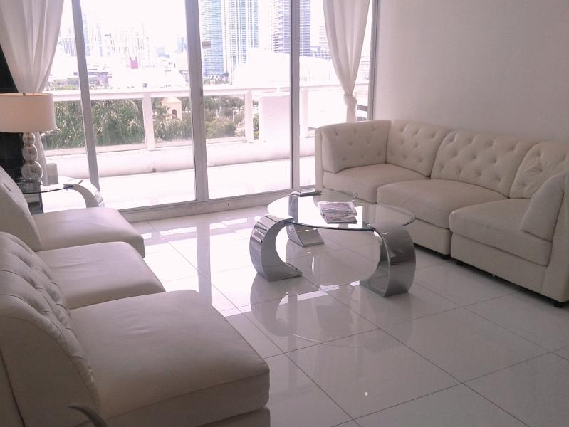 By Gvaldi - Doubletree Grand Downtown Miami - Image 1 - Coconut Grove - rentals