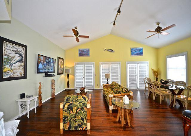 """""""CASA KEY WEST @ DUVAL SQUARE"""" Extra Large Condo Located On Duval St. - Image 1 - Key West - rentals"""