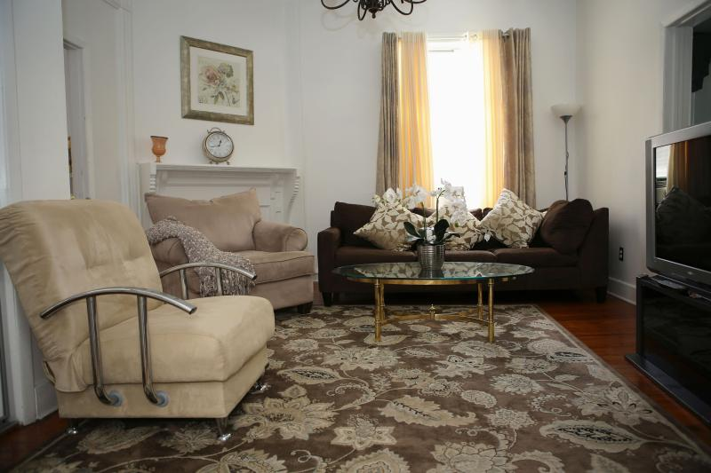 Group Accommodation 1 Near Ferry - Image 1 - Staten Island - rentals