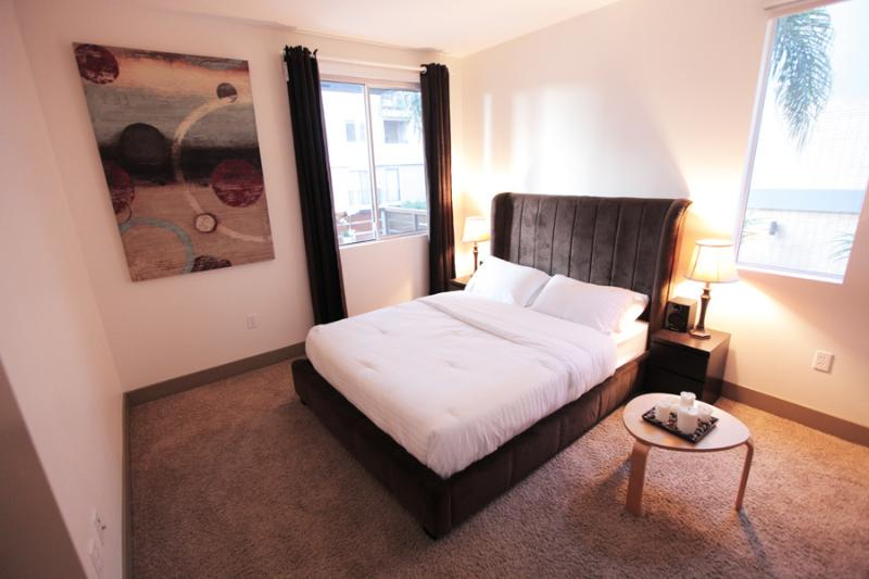 BEAUTIFUL LUXURY VACATION SUITE IN HOLLYWOOD, CA - Image 1 - Las Vegas - rentals