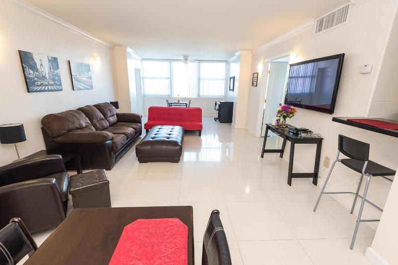 Living Room - Fort Lauderdale Apartment on the beach - Fort Lauderdale - rentals