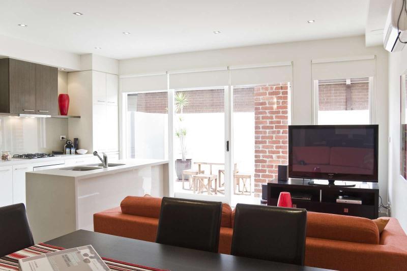 3/114a Westbury Close, East St Kilda, Melbourne - Image 1 - Balaclava - rentals