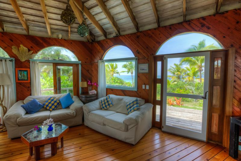 Romantic Beachfront Round House - The Round house at Casuarina Bay - Governor's Harbour - rentals