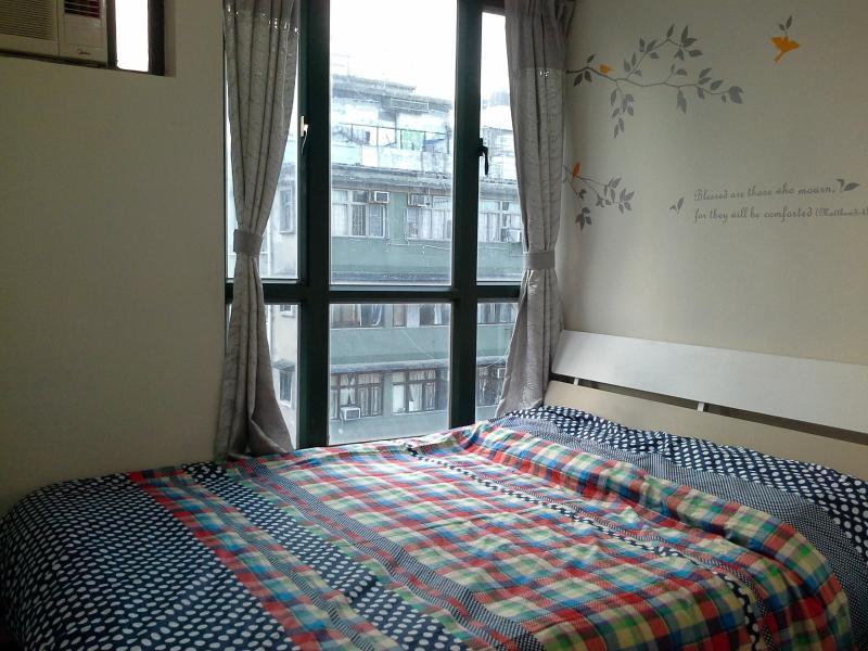 Splendid Queen bed apt,  Fit 9 ppls, near MTR - Image 1 - Hong Kong - rentals