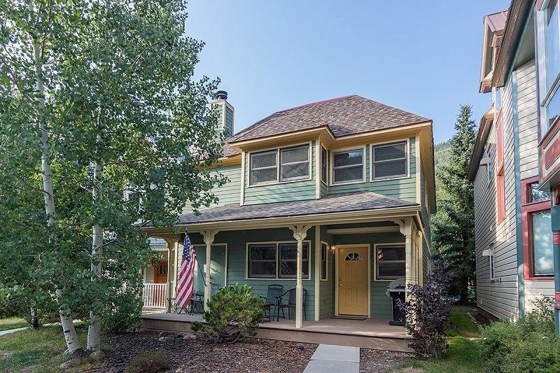Bachman Village 25 - cute single family home located in great neighborhood - Bachman Village 25 - 3 Bd / 3 Ba - Sleeps 8 - Downtown Telluride Vacation Home located 1 block from base of Lift 7 - Telluride - rentals