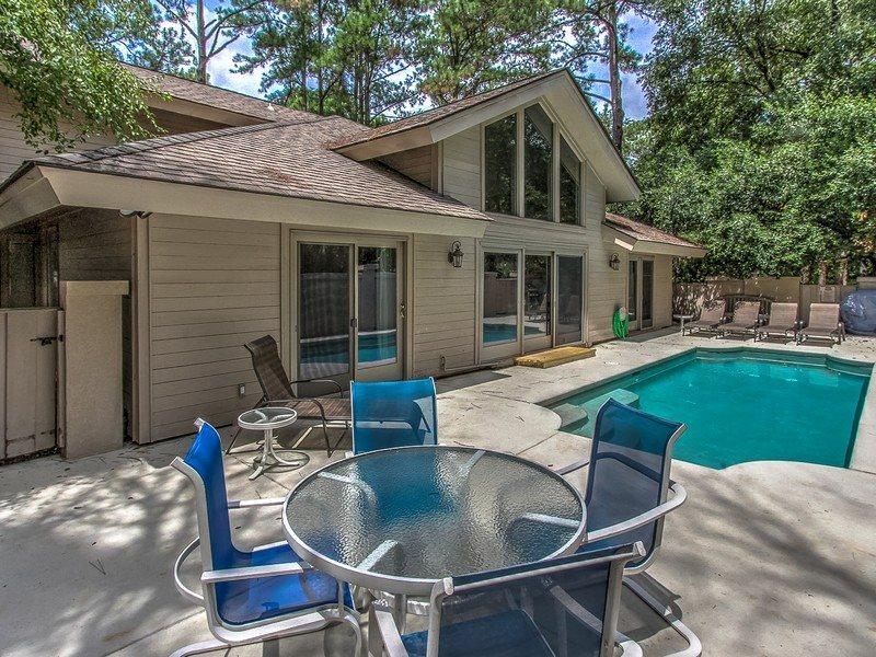 1 Gadwall - Back Area with Pool - 1 Gadwall - Sea Pines - rentals