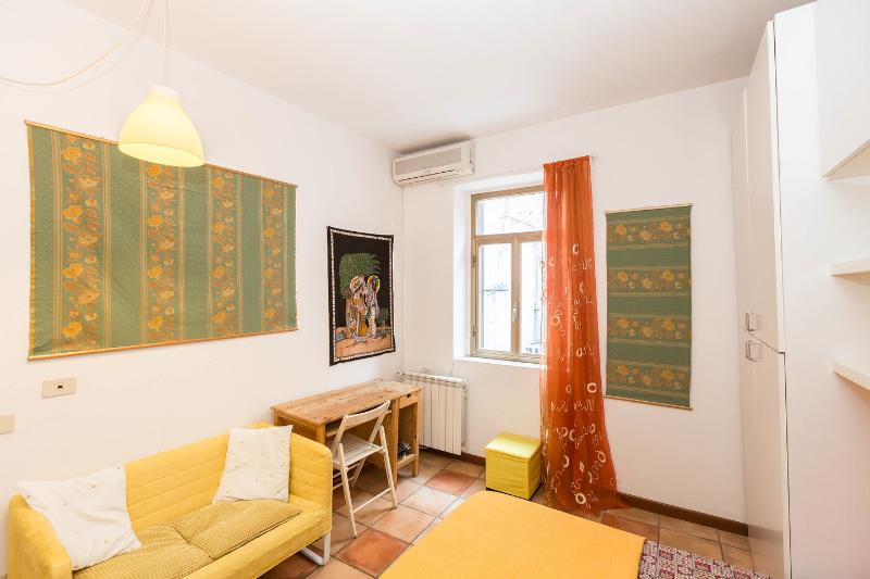 The Master Bedroom - Lovely studio apt. in the center of Rome - Rome - rentals