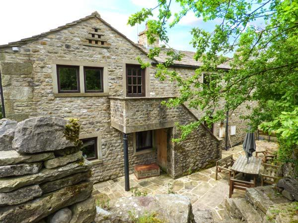 THE DAIRY, pet friendly, character holiday cottage, with a garden in Starbotton, Ref 5694 - Image 1 - Starbotton - rentals