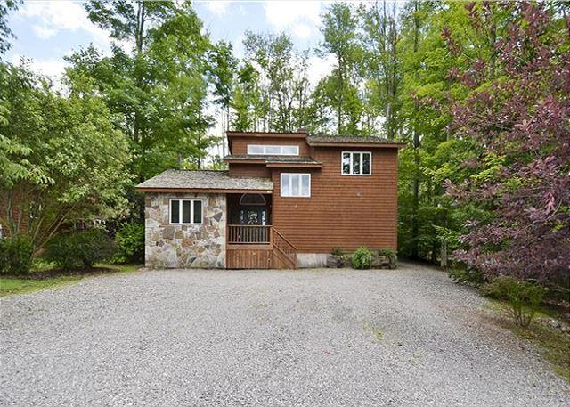 Comfortable mountain home is a short walk to the Timberline Trails! - Image 1 - Canaan Valley - rentals