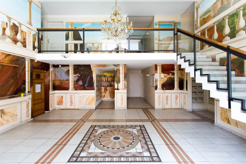Entrance - Le Palazzio Studio, French Riviera Vacation Rental with WiFi - Cannes - rentals