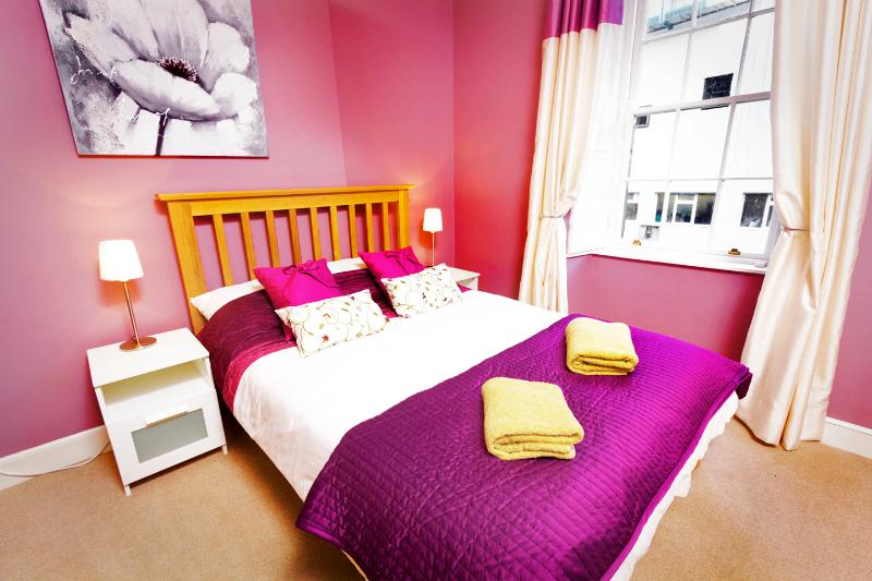 Rose Apartment - Image 1 - Edinburgh - rentals