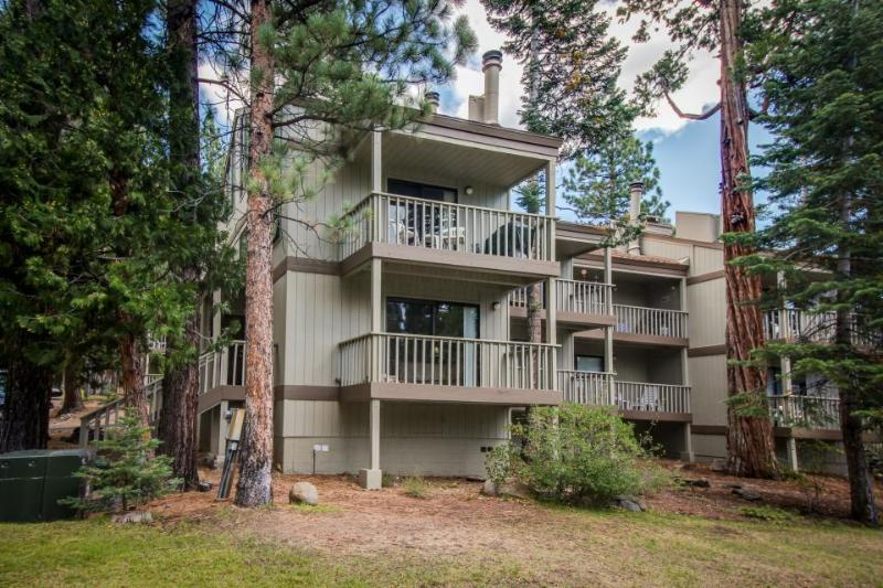 Fantastic condo w/shared pool, close to Northstar - Image 1 - Agate Bay - rentals