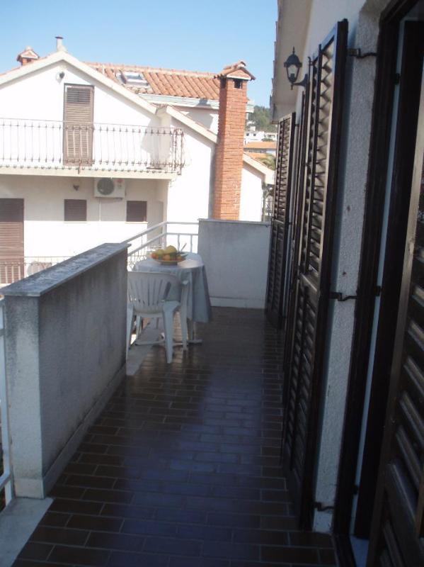 A6(4): terrace - 5121  A6(4) - Okrug Gornji - Okrug Gornji - rentals