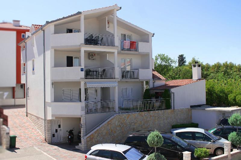 house - 5165  A1(2+1) - Okrug Gornji - Okrug Gornji - rentals