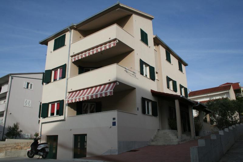 house - 5634 A3(4+2) - Okrug Gornji - Okrug Gornji - rentals