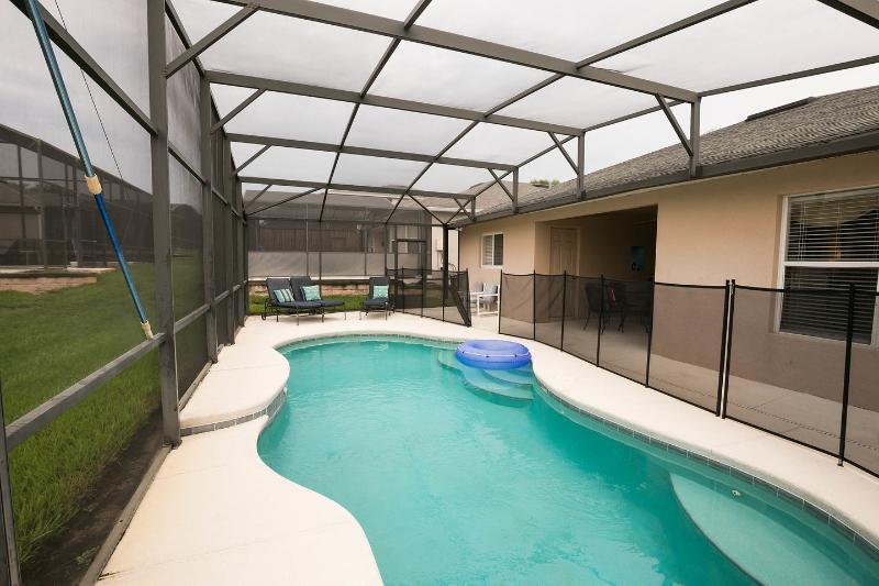 The Pool - LUXURY, POOL(S) COMPUTER, WIFi, NEAR DISNEY - Davenport - rentals