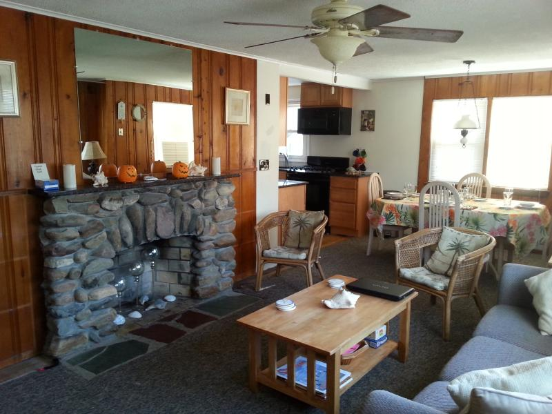LIGHT & AIRY - FOOTSTEPS RENTAL  Lower Level - Beach Haven - rentals