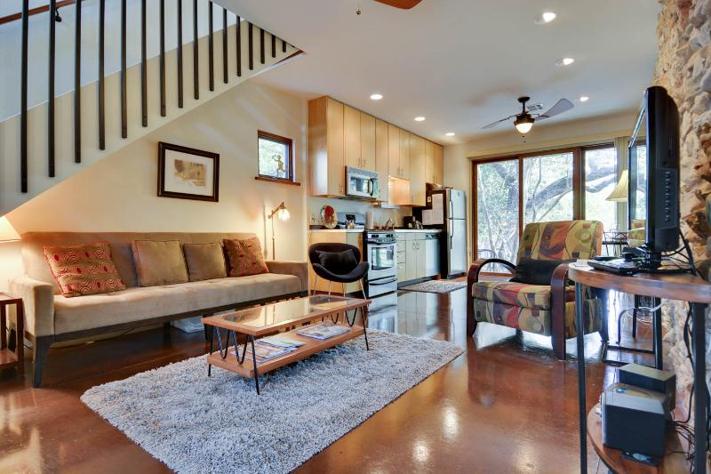 COZY, MODERN TREEHOUSE ON 1/2 ACRE NEAR ZILKER - Image 1 - Austin - rentals