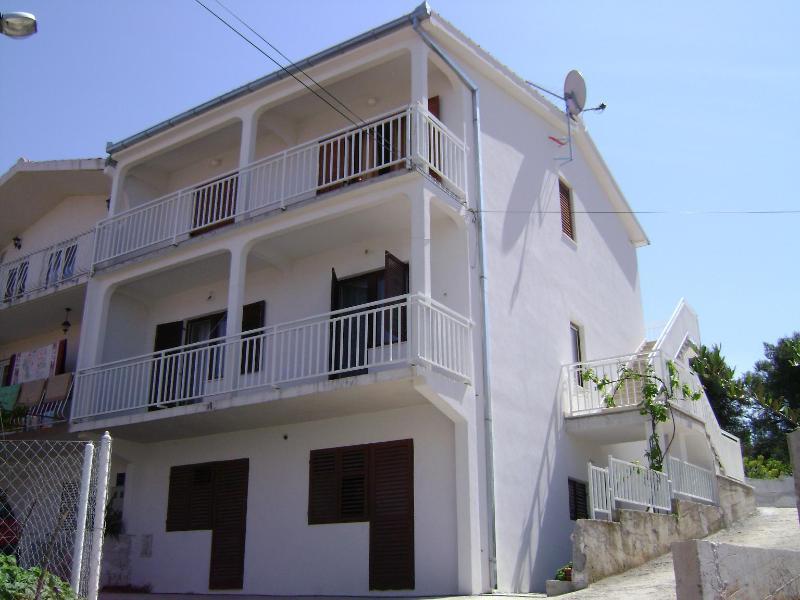 house - 001OKRG  A2(4+1) - Okrug Gornji - Okrug Gornji - rentals