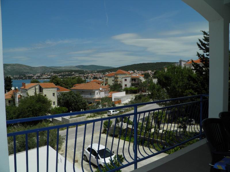 A1 Mediteraneo (8+2): terrace view - 35358  A1 Mediteraneo (8+2) - Okrug Gornji - Okrug Gornji - rentals