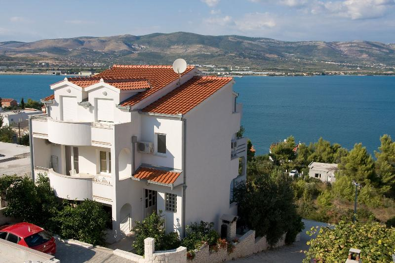 house - 2189  A1(2+2) - Arbanija - Arbanija - rentals
