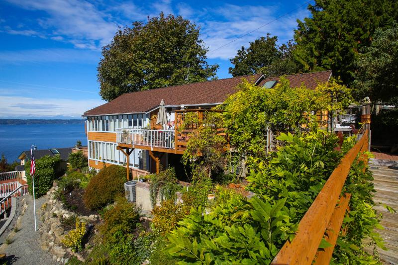 House from the garage - Private, Secluded, Spectacular View 2Bdr - Seattle - rentals