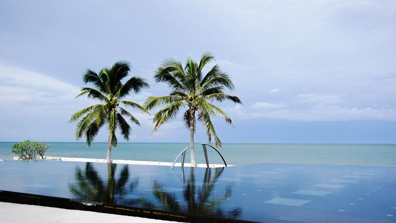 Infinity Pool next to Beachfront Villa - 5 Br Luxury Beach Front, Villa Nilaya  Huahin - Hua Hin - rentals