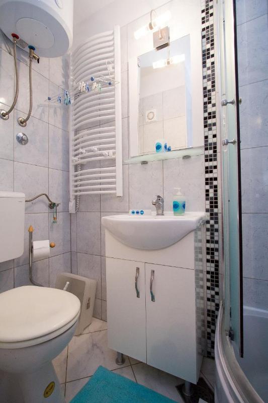 SA1(2): bathroom with toilet - 8033  SA1(2) - Split - Split - rentals