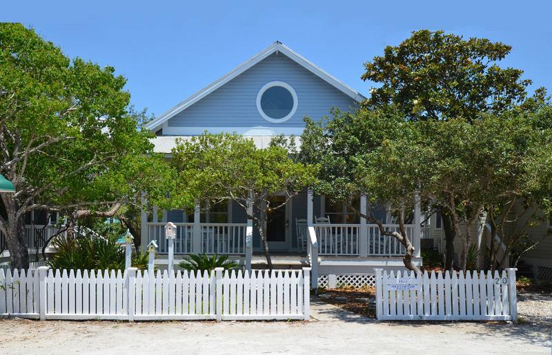 Exterior view - PB&J - Seaside - rentals