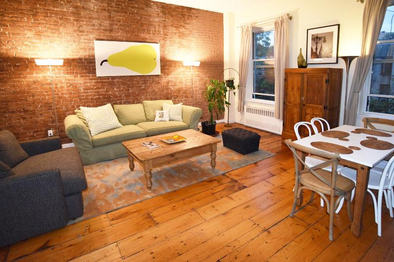 Big 2 bed/2 bath w/fireplace (3rd fl), E. Village - Image 1 - New York City - rentals