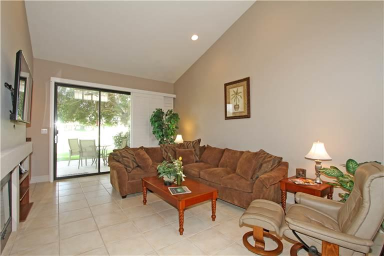 Upgraded Unit on Lake & Fairway-Palm Valley CC (V3994) - Image 1 - Palm Desert - rentals
