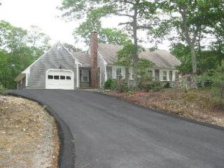 Cape Cod style home located in E. Brewster within the Robinwood Neighborhood. - Brewster vacation rentals
