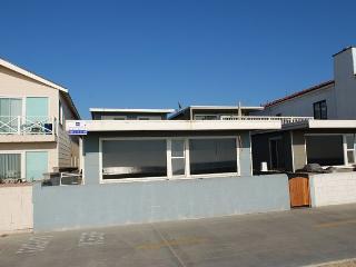 4 Bedroom Beach Rental! Located on Boardwalk! (68147) - Newport Beach vacation rentals