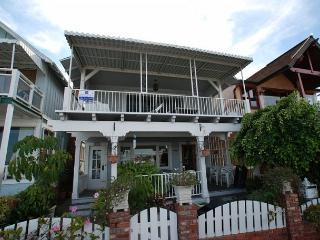 Updated 2 Bedroom Bayfront Home! Walk to the Balboa Pier! (68158) - Newport Beach vacation rentals