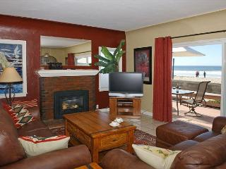 Traditional Spanish style home-fireplace, wraparound deck, hot tub, fire ring - Pacific Beach vacation rentals