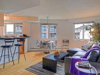 Eclectic downtown flat with fun décor and lively restaurants at it's door! - Issaquah vacation rentals