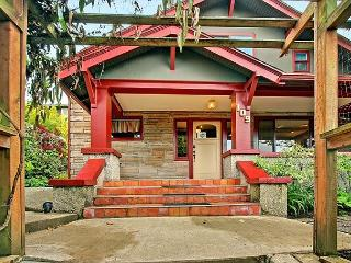 Hot tub and deck completes this urban family vacation home on Phinney Ridge! - Seattle vacation rentals