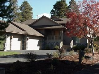Labor Day Sunriver Home Inviting Views and 3 Master Suites On the Golf Course - Sunriver vacation rentals