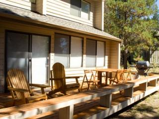 Inviting Sunriver Home with Hot Tub in a Peaceful Setting Near Bike Paths - Sunriver vacation rentals
